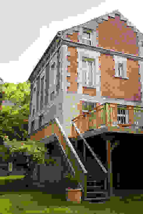 Balcones y terrazas de estilo ecléctico de mllm Ecléctico