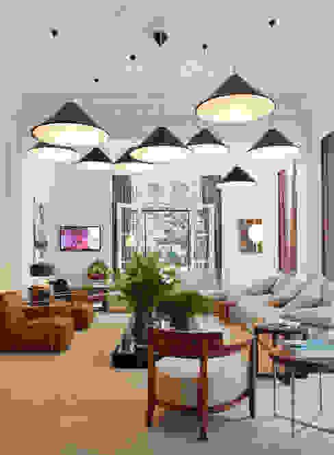 Casa Cor 2011 Salas de estar ecléticas por Gisele Taranto Arquitetura Eclético