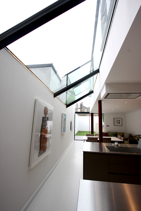 Chaldon Road Modern living room by IQ Glass UK Modern