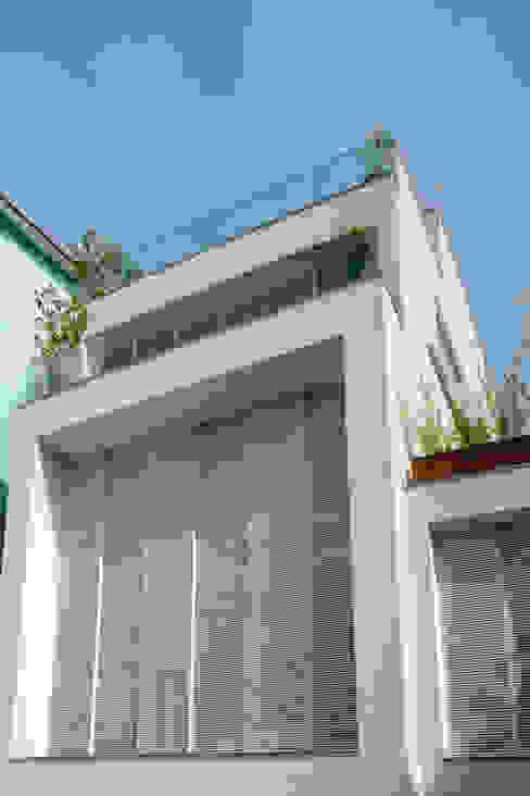Mirante House Casas modernas de Gisele Taranto Arquitetura Moderno