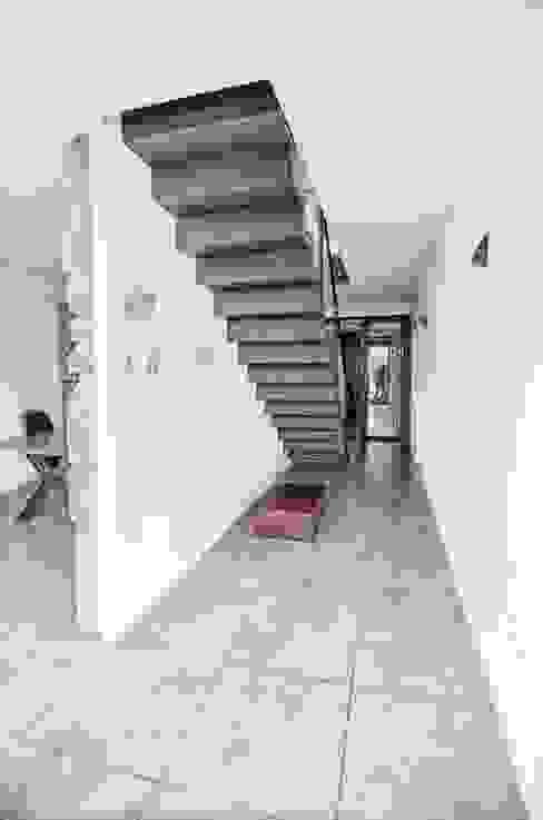 Vivienda unifamiliar en Wamba (Valladolid) de ADDEC arquitectos Ecléctico