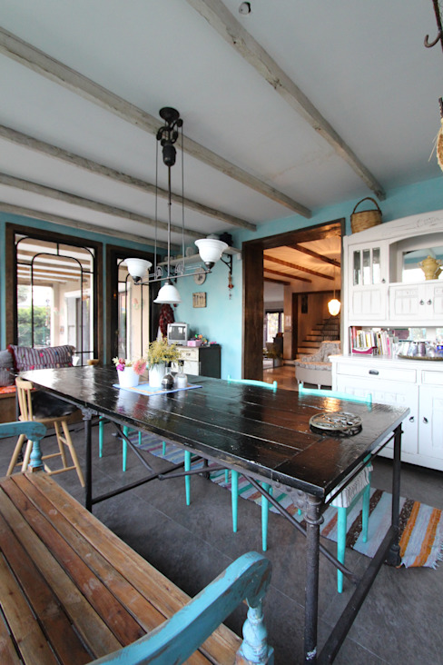Provence Villa in İstanbul Country style kitchen by Orkun İndere Interiors Country