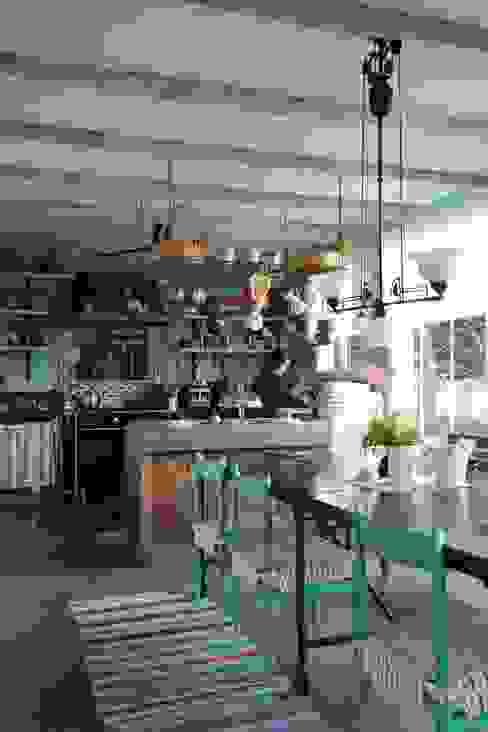 Orkun İndere Interiors:  tarz Mutfak,