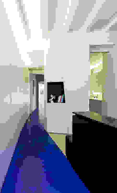 Vestidor Casas modernas de ACABADOMATE Moderno