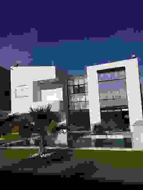 Maison Bioclimatique Maisons méditerranéennes par Ecotech-Architecture Méditerranéen
