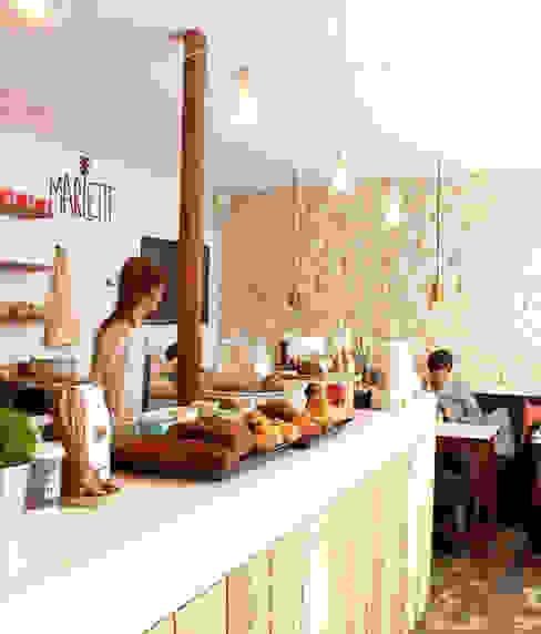 MARLETTE, CAFÉ IN PARIS di Atelier UOA Moderno