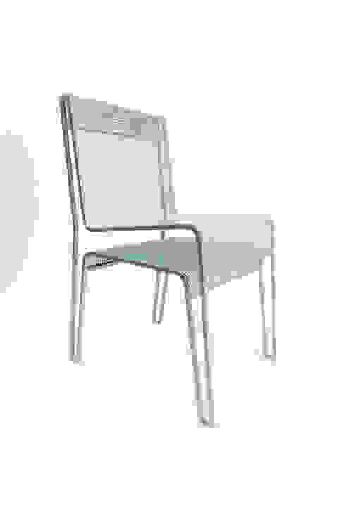 La chaise rien à cacher par Hugo Delautre Industriel