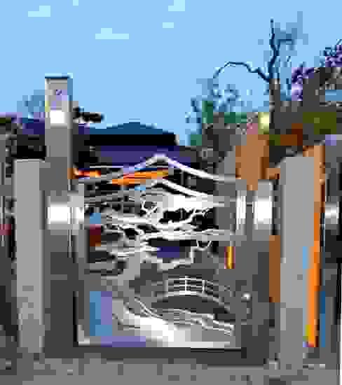 Jardins asiáticos por Edelstahl Atelier Crouse: Asiático Metal