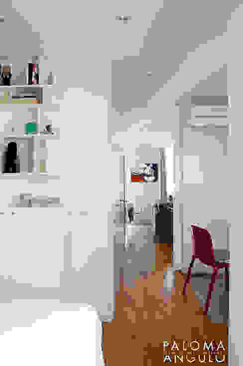 Distribuidor Pasillos, vestíbulos y escaleras de estilo minimalista de Interiorismo Paloma Angulo Minimalista