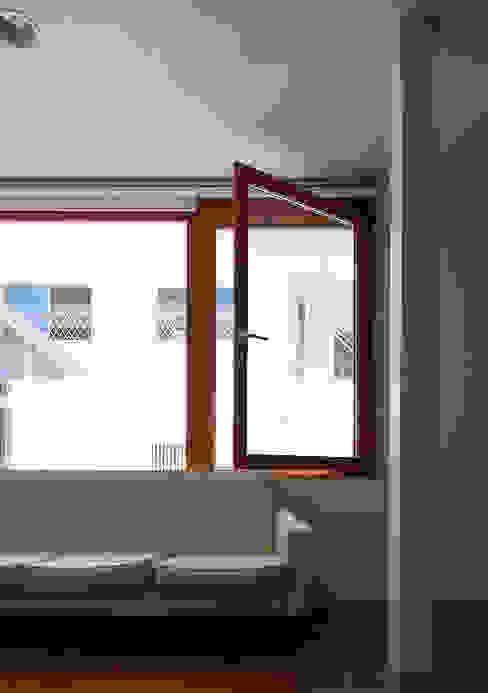 宇佐の家 リビング の 俵・小畠建築設計事務所 / Tawara・Obatake Architect & Associates