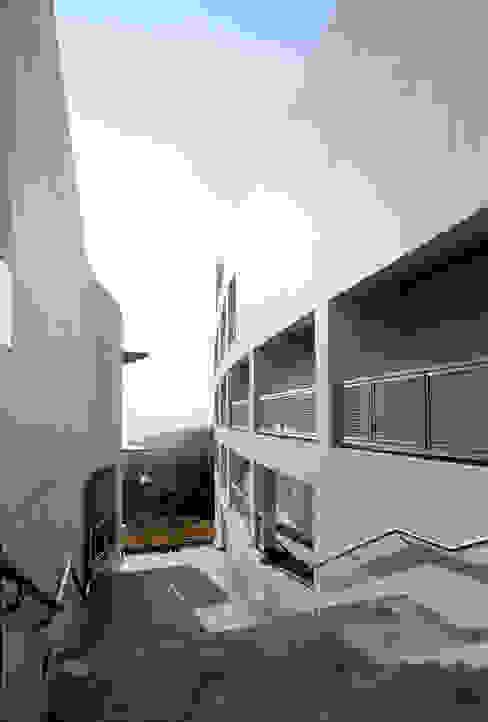 Seoul Jangsin Uni Rooms by 서인건축