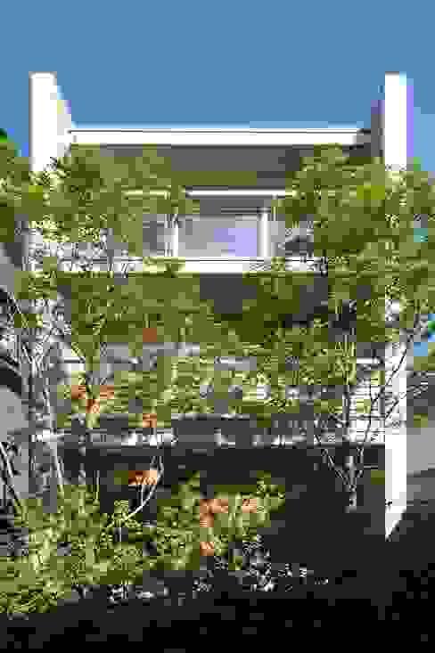 House in Fuchu 에클레틱 주택 by 佐藤重徳建築設計事務所 에클레틱 (Eclectic)