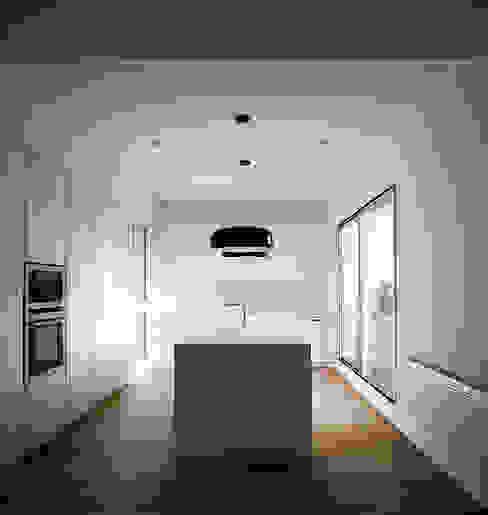 REFORMA DE ÁTICO DG Arquitecto Valencia Cocinas de estilo minimalista