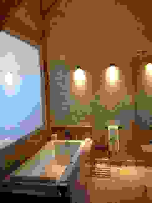 Chalet Atika Salle de bain moderne par RAINERI Moderne