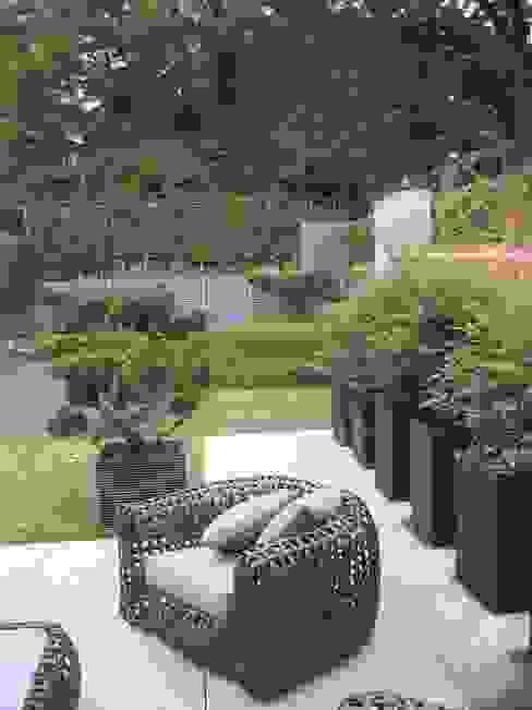 Redington Modern garden by Andrew Wenham Modern