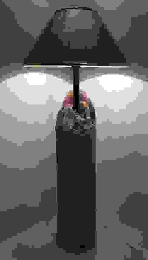 Treibholz-Tischlampe von homify Landhaus