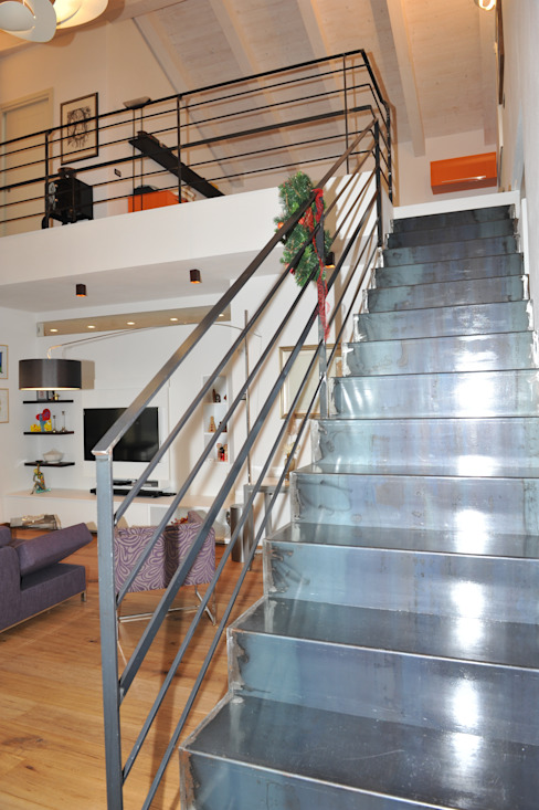 """CASA """"ROERO"""" _ VILLA PRIVATA IN COLLINA _ CUNEESE _ PIEMONTE ENRICO MARCHIARO _ eMsign Studio _ Architettura_Interior Design Case moderne"""