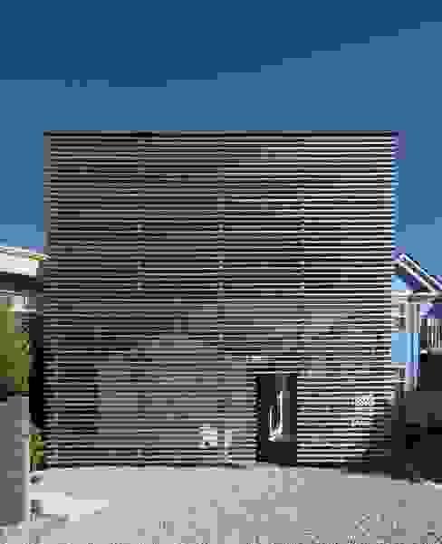 TWO Modern houses by MASAKI YAMADA Architecture Modern