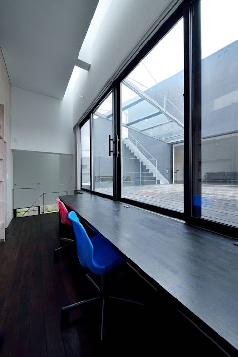 MO-HOUSE: 株式会社長野聖二建築設計處が手掛けた書斎です。,モダン