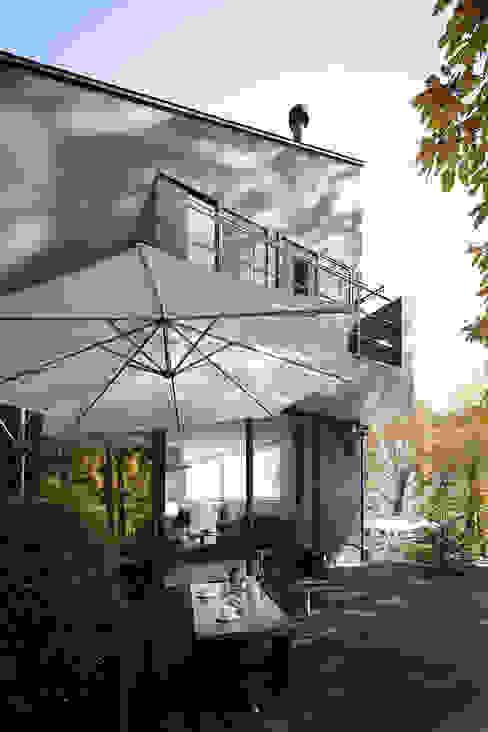 森の緑を楽しむみんなの集まる家: ラブデザインホームズ/LOVE DESIGN HOMESが手掛けた家です。,オリジナル