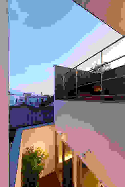 都市型アウトドアハウス: ラブデザインホームズ/LOVE DESIGN HOMESが手掛けたテラス・ベランダです。