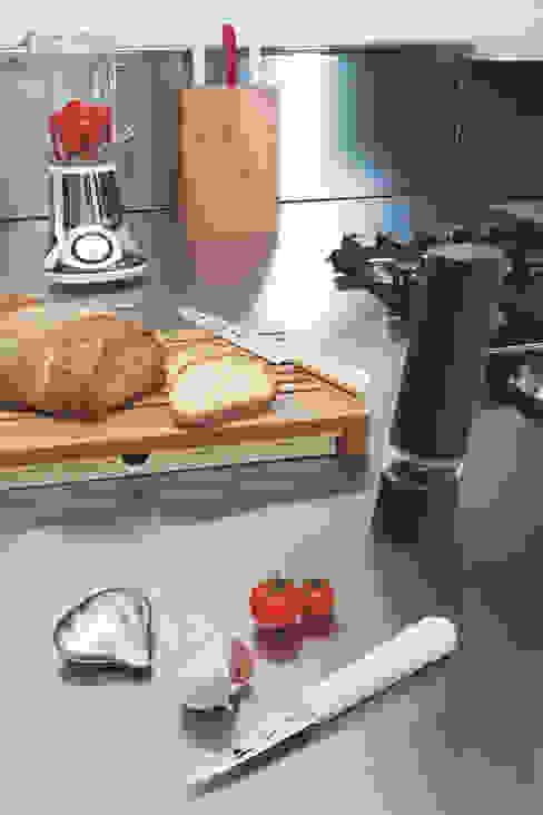 Savon du chef: modern  door Studio Gooris Ltd, Modern