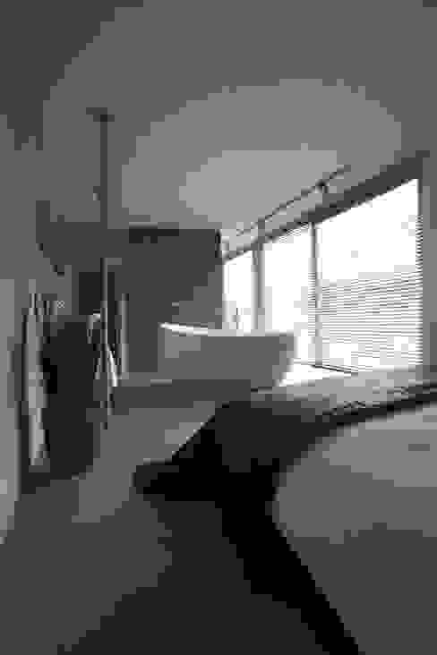 Modern bathroom by Archipelontwerpers Modern