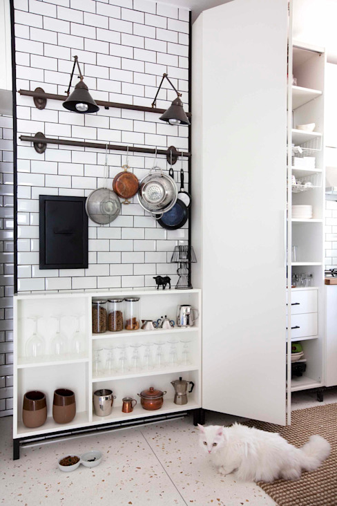 Industrial style kitchen by HANDE KOKSAL INTERIORS Industrial