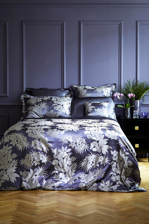Tropical Night silk bed linen van homify Tropisch Zijde Geel