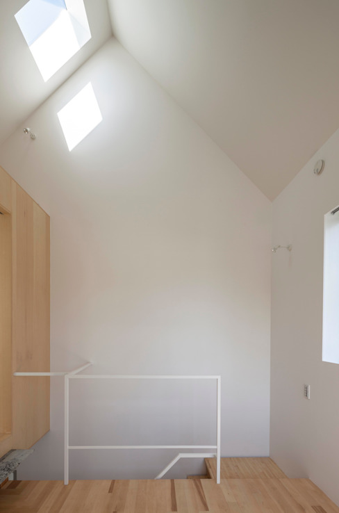 Tokyo Cottage Modern home by Umbre Architects/アンブレ・アーキテクツ Modern