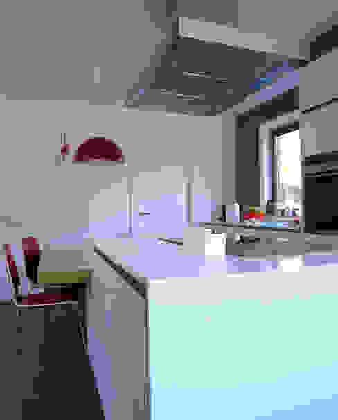 Vivienda en Fornos de AD+ arquitectura Moderno
