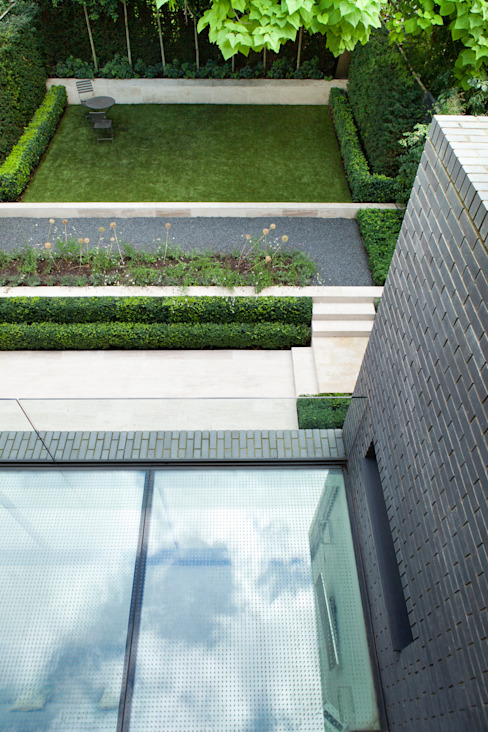 A Brick and a Half house Minimalist style garden by Lipton Plant Architects Minimalist