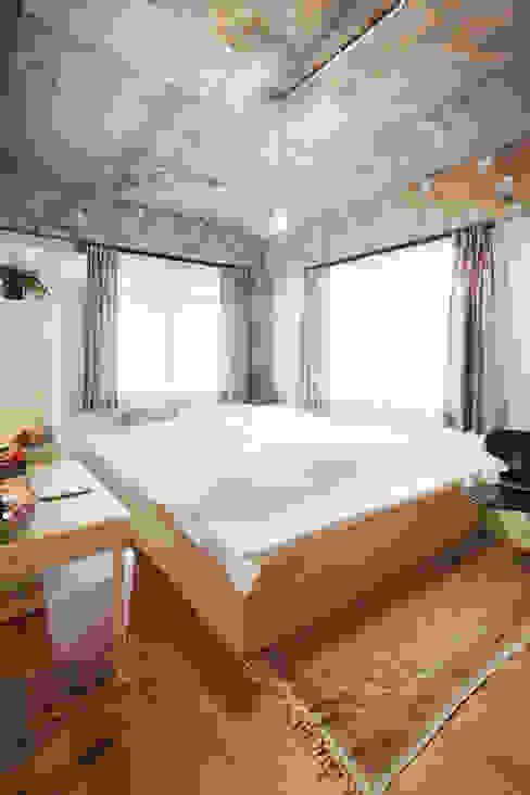 中京区の家/寝室 モダンスタイルの寝室 の 一級建築士事務所 こより モダン