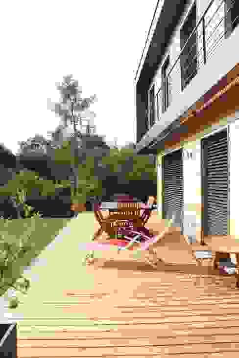 La terrasse Maisons modernes par Atelier d'Architecture Marc Lafagne, architecte dplg Moderne