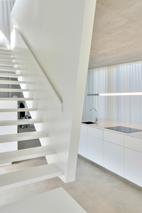H' House:  Gang en hal door Wiel Arets Architects,