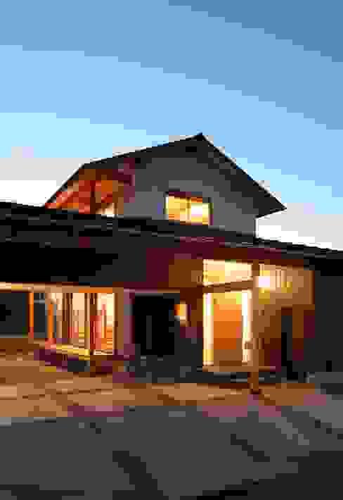 外観 日本家屋・アジアの家 の 三宅和彦/ミヤケ設計事務所 和風