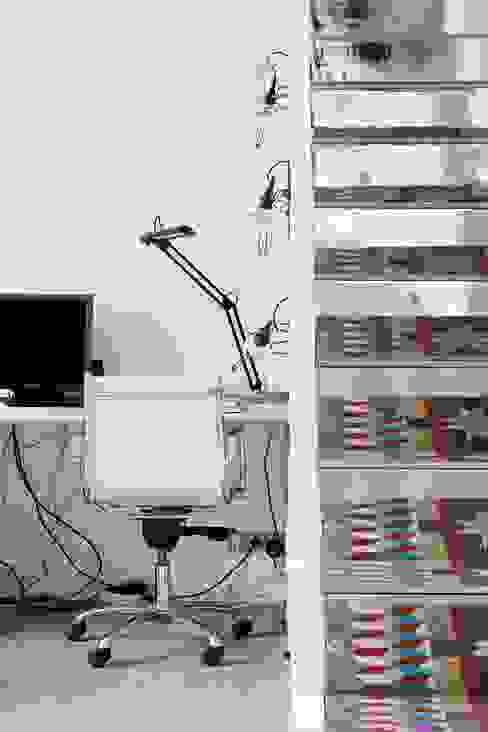 PISO SANTPERE47 Estudios y despachos de estilo moderno de Miel Arquitectos Moderno