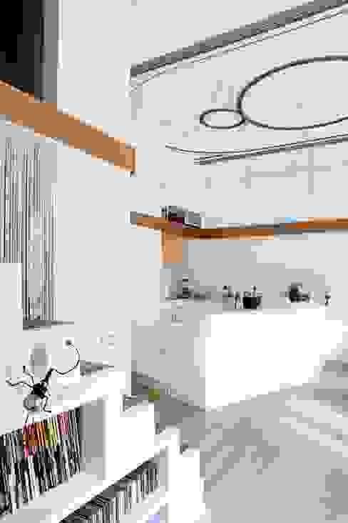 PISO SANTPERE47 Cocinas de estilo moderno de Miel Arquitectos Moderno