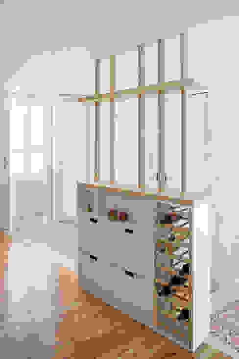 PISO SALVA46 Cocinas de estilo moderno de Miel Arquitectos Moderno