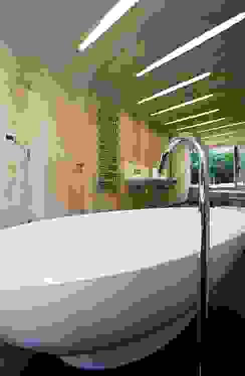 hiện đại  theo BACA Architects, Hiện đại