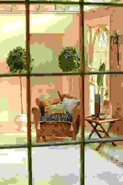 A fantastic garden room Eclectische serres van Deborah Warne Interiors Ltd Eclectisch