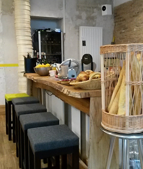 Bar en bois brut - Côté Cuisine Gastronomie moderne par ISIT ARCHITECTURE Moderne
