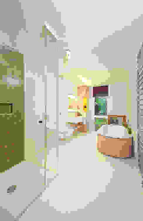 Modern bathroom by Cubus Projekt GmbH Modern