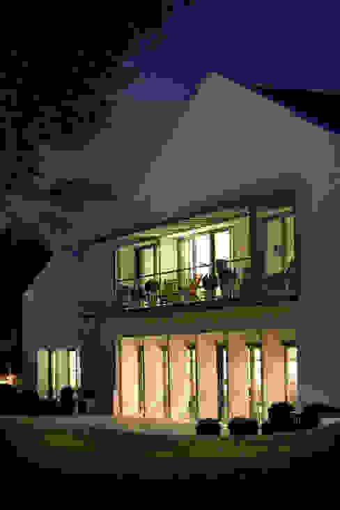 Rénovation d'une Auberge Basque Hôtels modernes par Christian Larroque Moderne