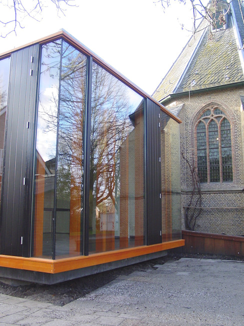 expansion of a historical church de Linea architecten Moderno