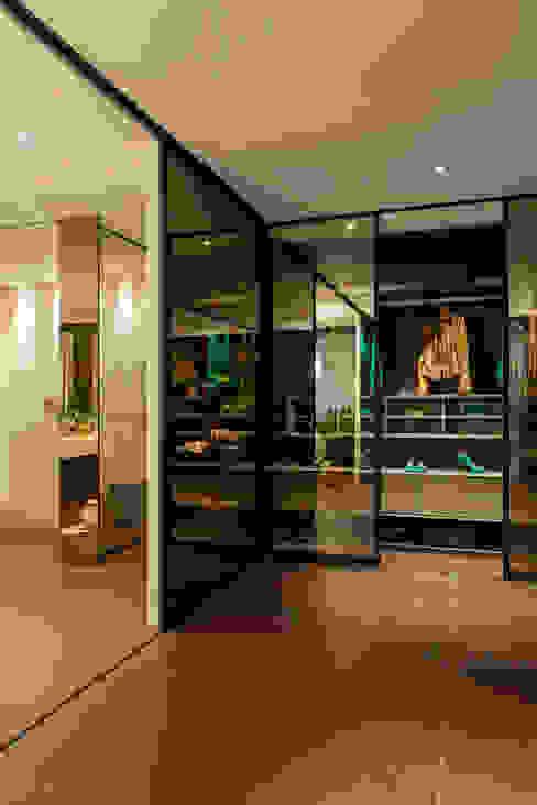 ห้องแต่งตัว โดย Brunete Fraccaroli Arquitetura e Interiores,