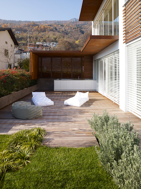 homify Terrace Wood effect