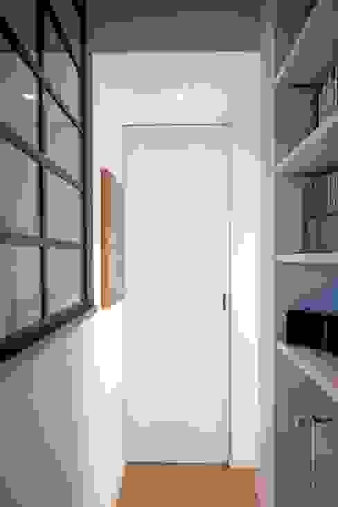 Living Sala da pranzo in stile industriale di Anomia Studio Industrial