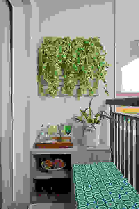 Apartamento Decorado PDG Maxi:   por Adriana Fontana Design de Interiores,Moderno