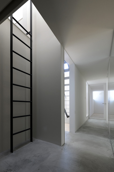 市原忍建築設計事務所 / Shinobu Ichihara Architects Couloir, entrée, escaliers modernes